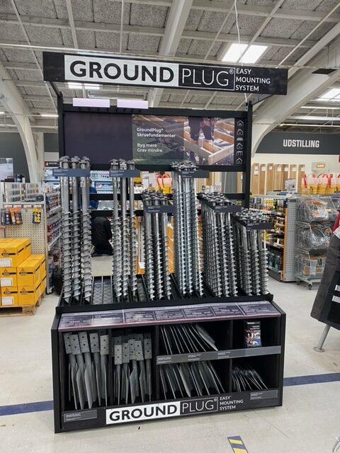 GroundPlug display